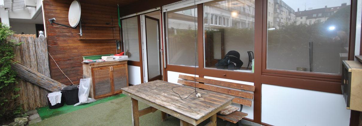 Terrasse vor Fix & Flip
