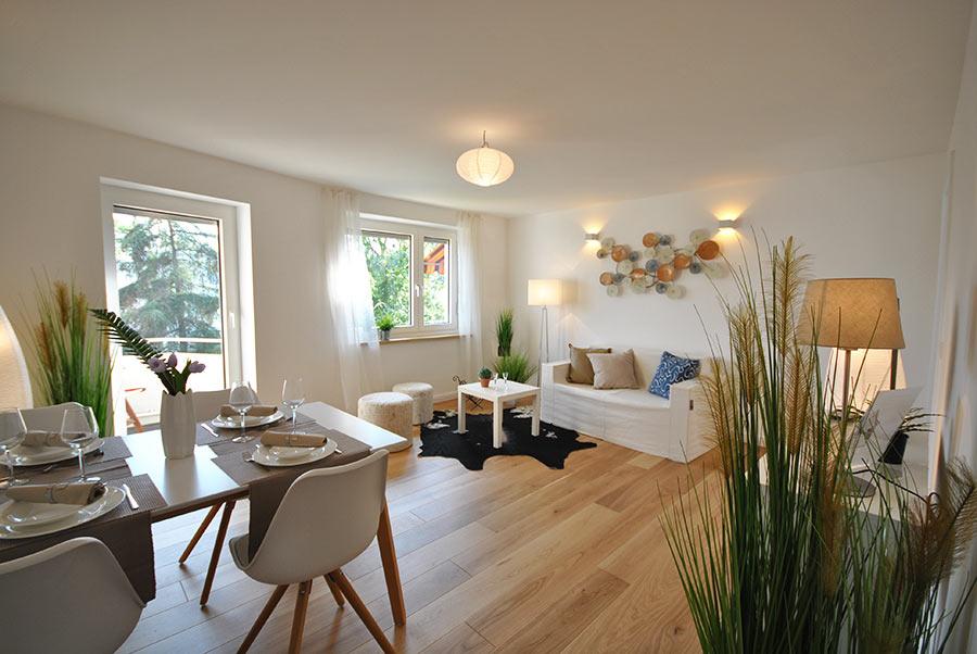 Home Staging Basic Ivory White
