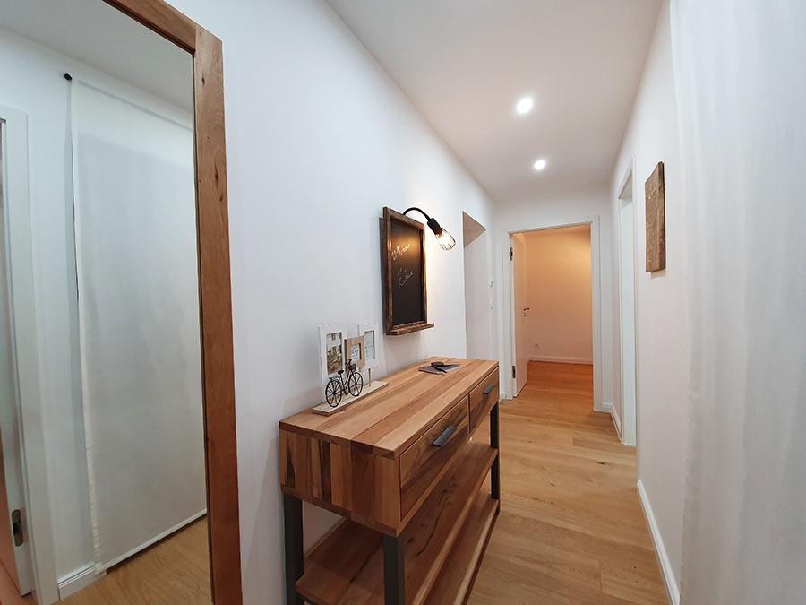 Home Staging Feste Einrichtung - Flur
