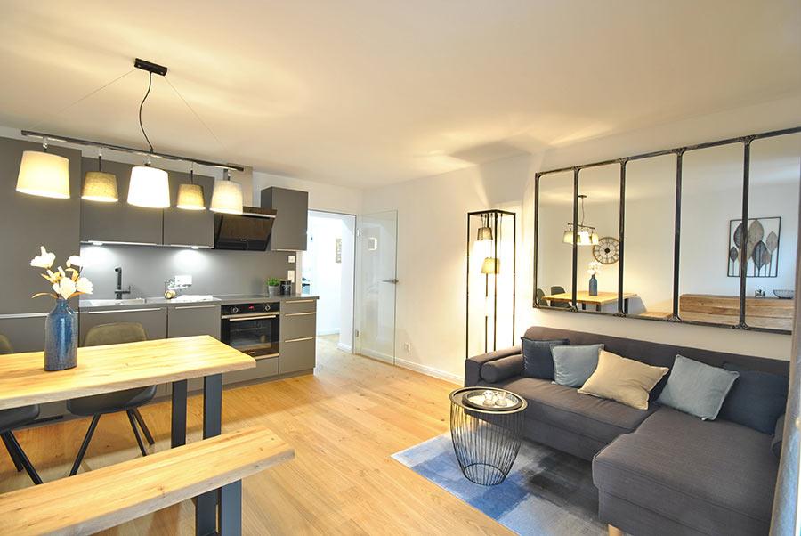 Home Staging Feste Einrichtung - Wohn-/Essbereich